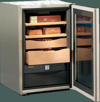 Холодильная витрина LIEBHERR ZКes 453